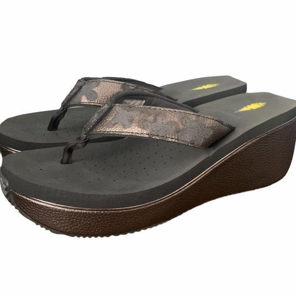 Women's Volatile Mini Platform Flip-Flops Size 9